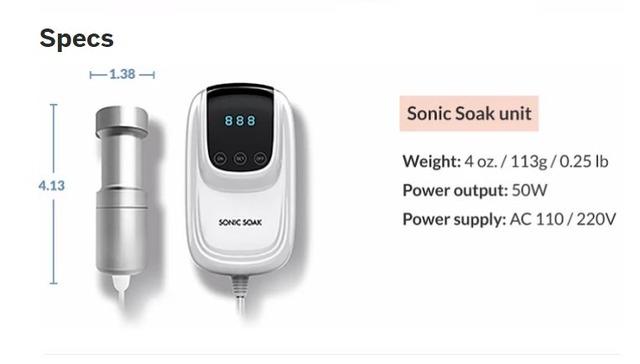 サイズと重さ。電源は220Vに加え110Vにも対応