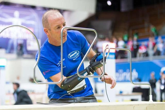 パワード義手レース(Powered Arm Prosthesis Race)の模様。(c)ETH Zurich / Nicola Pitaro