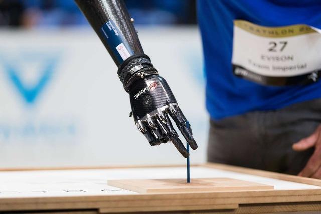 最新のテクノロジーによるサイバー義肢の開発が進んでいる。(c)ETH Zurich / Nicola Pitaro