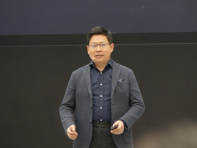 HUAWEIコンシューマー・ビジネス・グループのCEO、リチャード・ユー氏が登壇