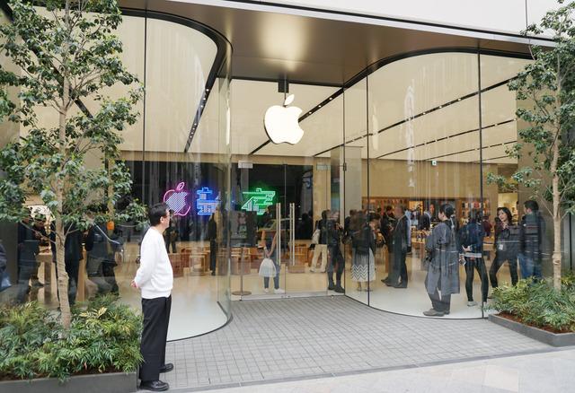 4月7日のグランドオープンを控える「Apple新宿」