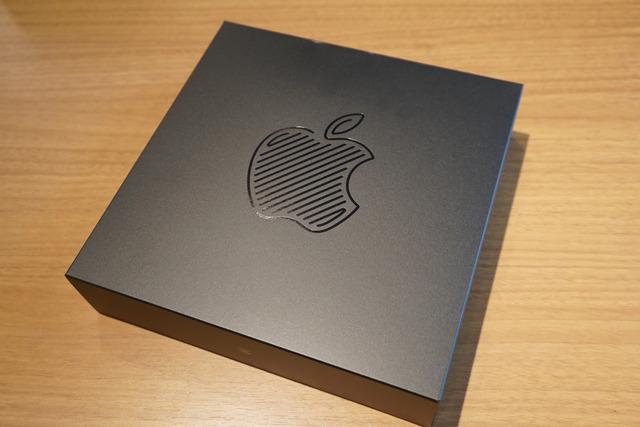 4月7日にはApple新宿のオープンを記念したオリジナルのノベルティグッズを配布予定