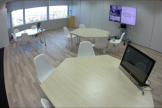 ソフトバンクの法人向け「5G×IoT Studio」。お台場ラボとして、テレコムセンタービルに5G実験機器や周辺機器を備えたトライアル環境を用意する