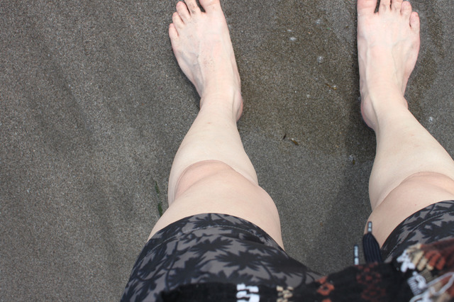 ほらね。オッサンの足なのにイヤな感じゼロだと思いませんか? ……自分で言うのもナンだけど。ともあれ、海はもちろん、プールでも全然オッケーでしょ?