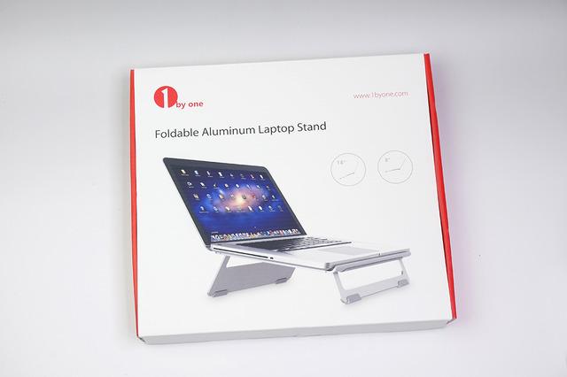 1byoneのノートパソコンスタンド。自宅用として購入しました