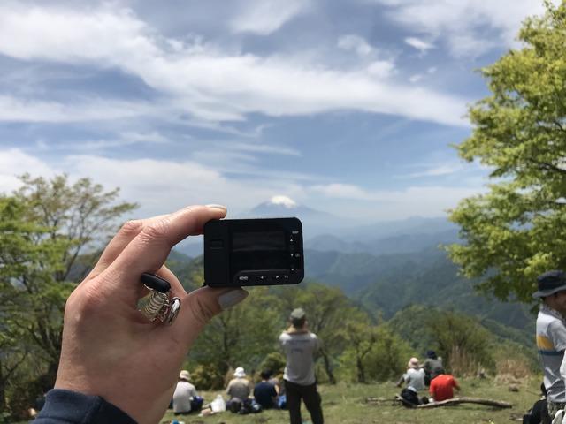 富士山の撮影風景。このコンパクトさが実に手軽だった