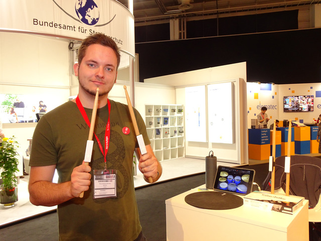 フランスのスタートアップRedisonが開発したスマート電子ドラム「Senstroke」