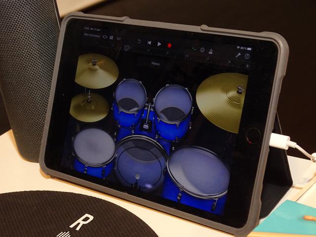 アプリからドラムの音色やたたく場所を調整する
